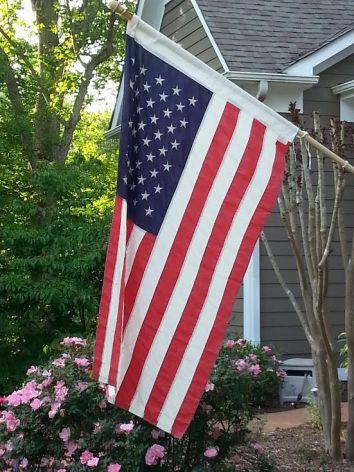 mem day flag 2