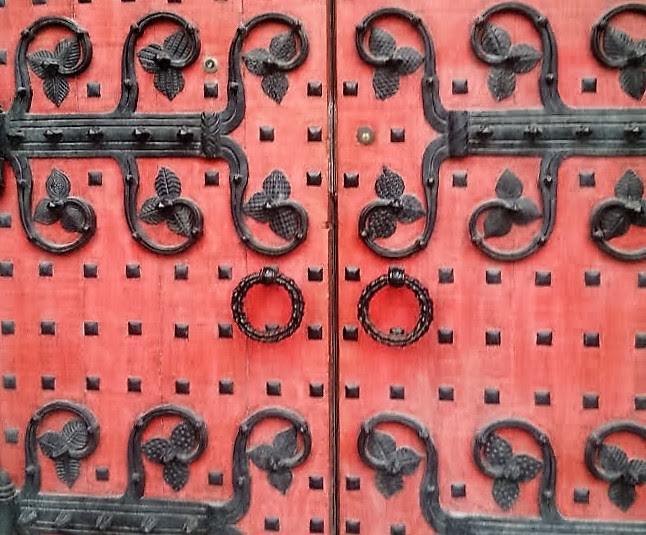 cathedral-door-closeup