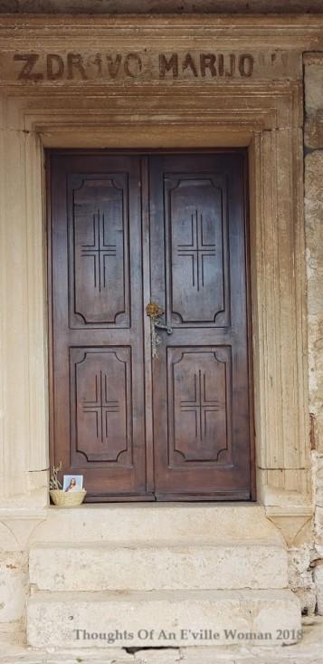 hvar church door