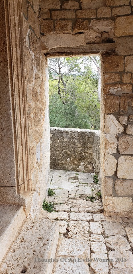 stone hvar doorway