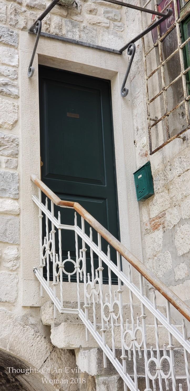 split doors 5